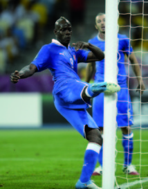 Balotelli en ballottage favorable