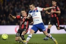 Ligue 1 : Lyon s'accroche aux basques de Paris