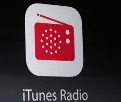 Apple dévoile un service de streaming musical, rénove iOS